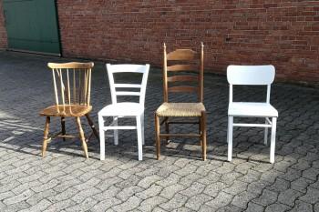 Vintage-Shabby-Stühle braun / weiß gemischt mieten