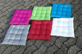 Sitzkissen farbig mieten