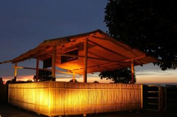Bambus-Cocktailbar 5x6m mieten